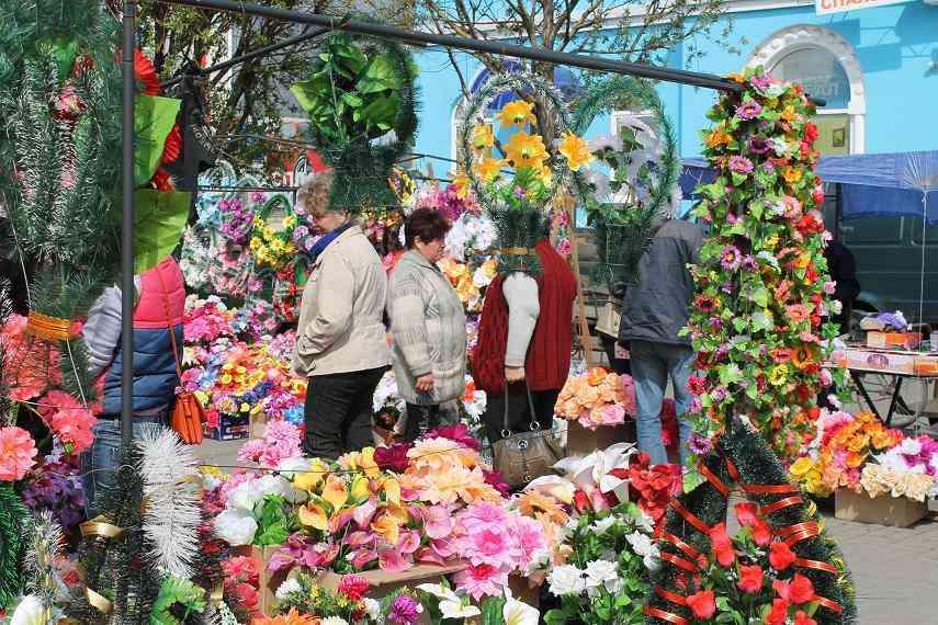 Фото пластмассовые цветы 32