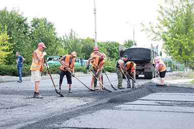 Водители Терновки будут ездить по обновленной дороге, но пока только в городе