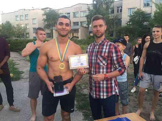 Павлоградские парни показали,  на что  способны молодость и сила