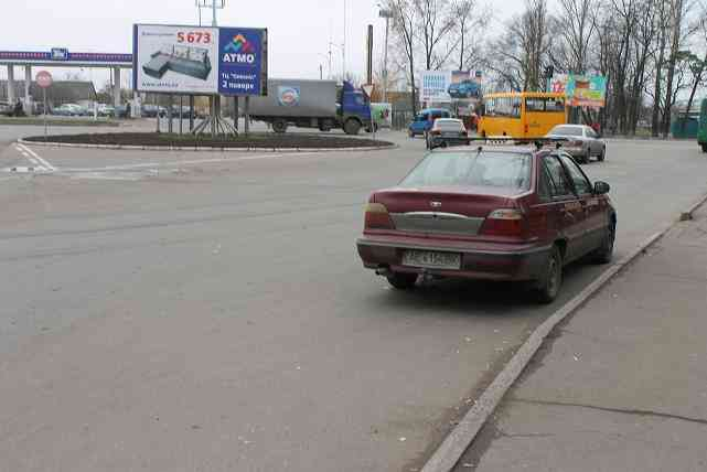 Не сдвинешь трактором: в Павлограде обнаружено заколдованное такси