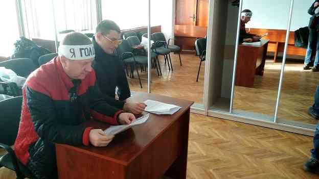 Дисциплинарные взыскания привели к объявлению новогодней голодовки в фойе Павлоградского исполкома