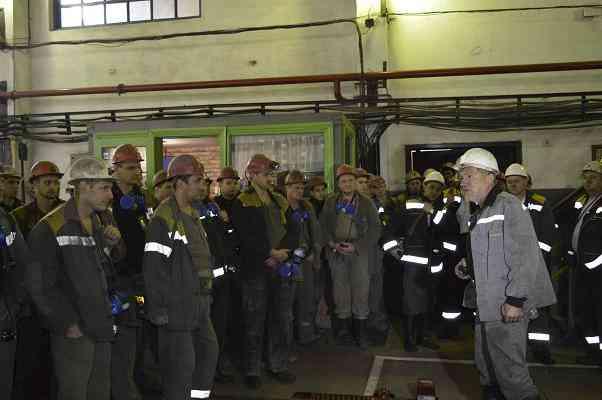 Прямо в забое:  Артур Мартовицкий поздравил шахтеров ШУ «Першотравенское» с выполнением годового плана