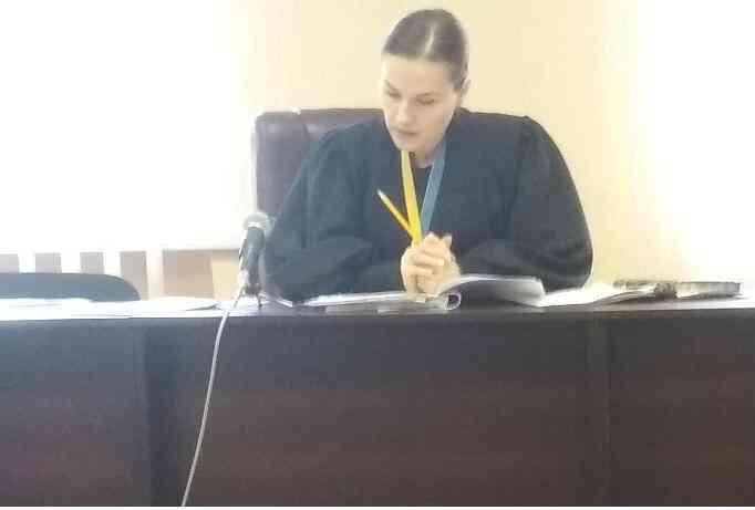 Вне закона: НПГУ обратил внимание  Павлоградского суда на договоренность с  головой Днепропетровской облгосадминистрации Валентином Резниченко