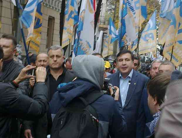 Живи спокойно, Украина: Михаила Саакашвили увозят в Польшу