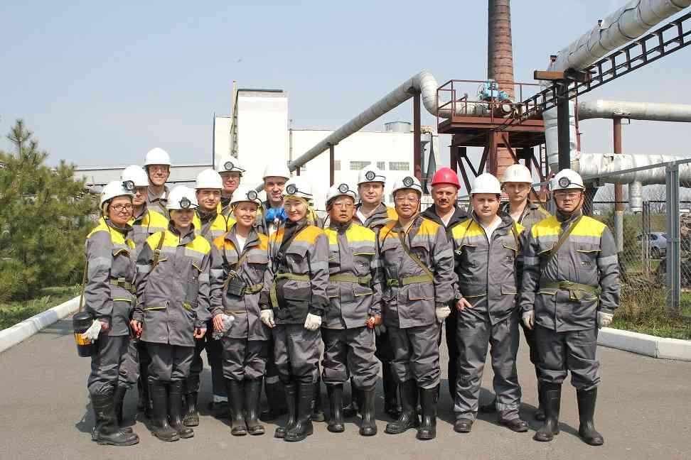 Представители Европейской комиссии и Китая спустились в шахту ДТЭК в Першотравенском