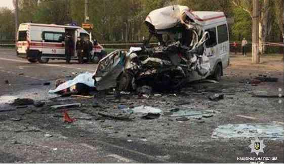 Черный вторник: на Днепропетровщине в автомобильной аварии погибли 8 человек