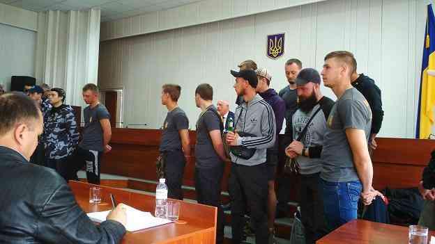 Без синяков: бойцы Национального корпуса сорвали сессию Павлоградского горсовета