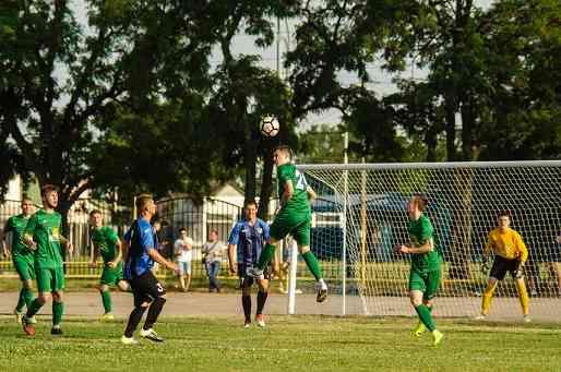 Футболисты «Атриума» одержали красивую победу над «Шахтером»