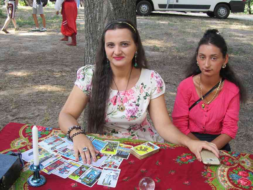 На Ивана Купала павлоградские красавицы  мерялись косами