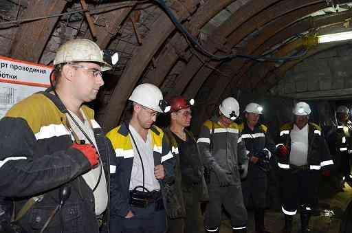 В Днепровском шахтоуправлении горняков обеспечивают стабильной работой