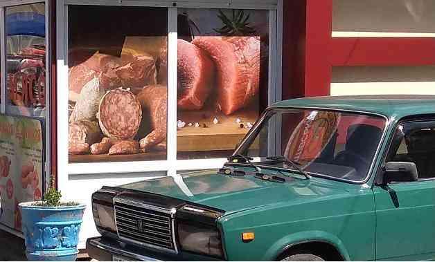 В Павлограде сосиски доваривают прямо в киосках, а сервелат протирают тряпкой с подсолнечным маслом
