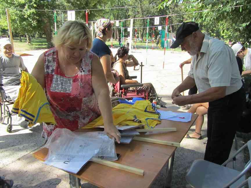 Колясочники Павлограда показали высший класс виртуозности вождения