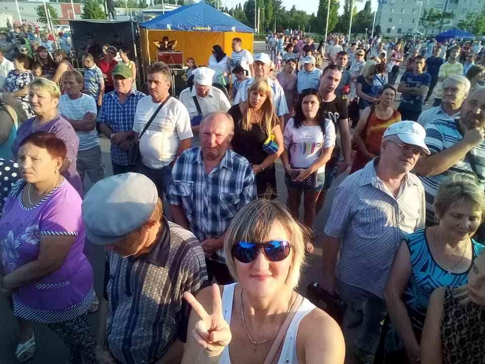 Тысячи терновчан солидно отметили два замечательных праздникам