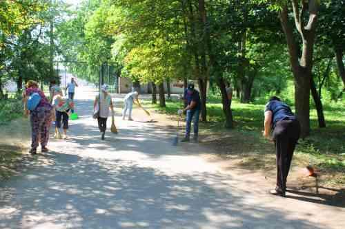 Городскому голове Павлограда, перед Днем шахтера,  пришлось засучить рукава