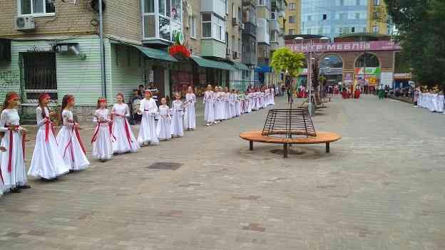 На этом празднике, в Павлограде, улыбались все гости