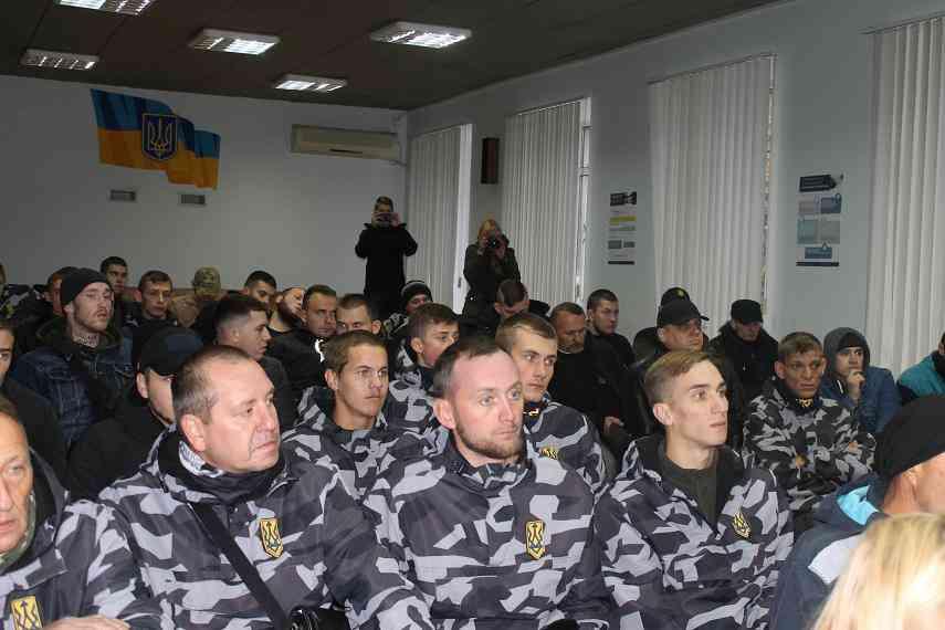 Нацдружинники обвинили павлоградских полицейских в «крышевании» наркобизнеса