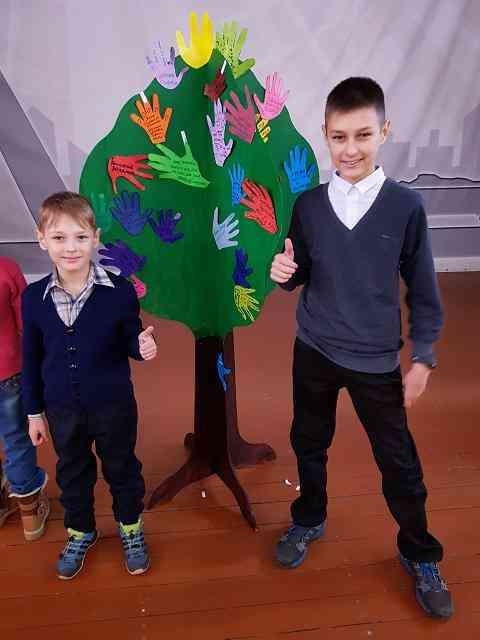 Хочу быть как папа: шахтеры привели на работу детей