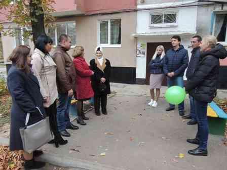 Благодаря конкурсу ГСР в Павлограде появилось новое школьное крыльцо, спортплощадка и энергоэффективный дом