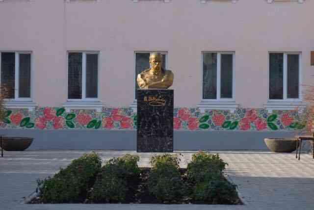 В Першотравенске отремонтированы улицы Школьная и Кобзаря