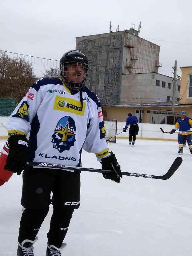 Ради пропаганды здорового образа жизни, городской голова Павлограда  встал на коньки