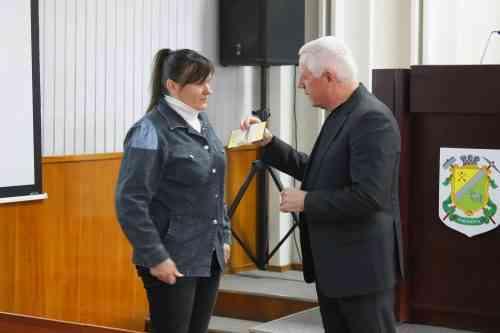 Президент наградил многодетных матерей Павлограда за труд и отвагу
