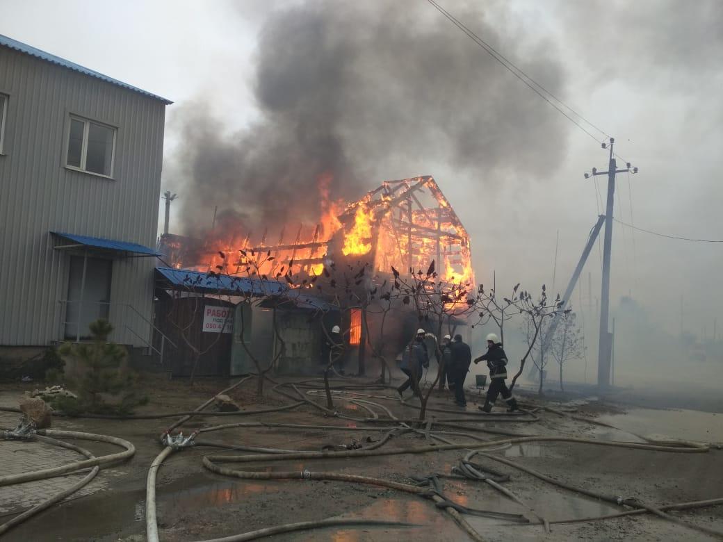 На окраине Павлограда дотла сгорело кафе «Панская пристань»