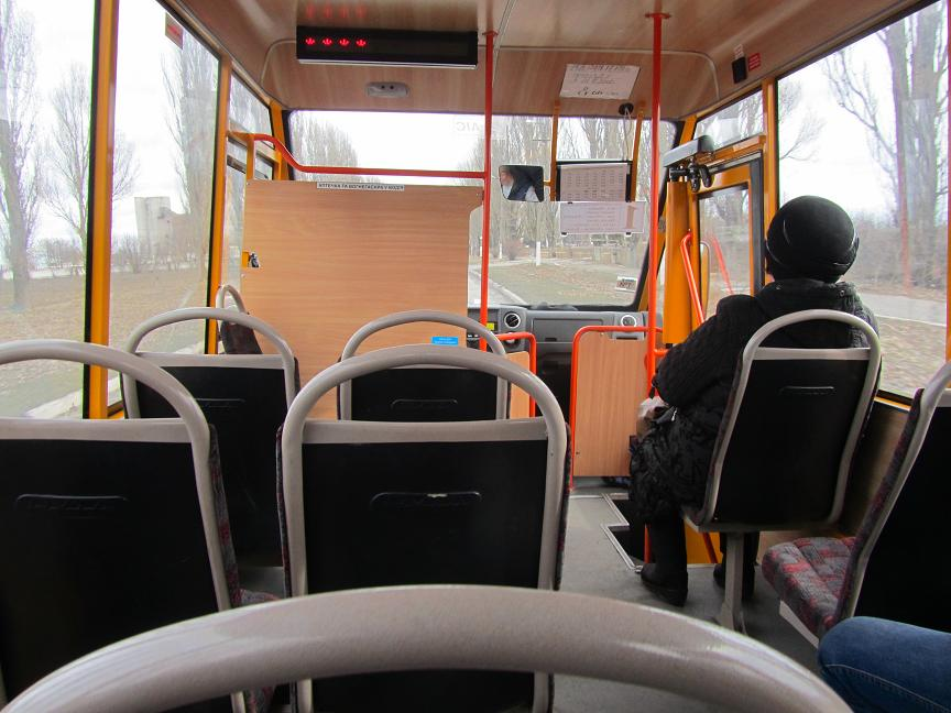 По Терновке курсируют пустые автобусы, - это признак роскоши  или расточительства?