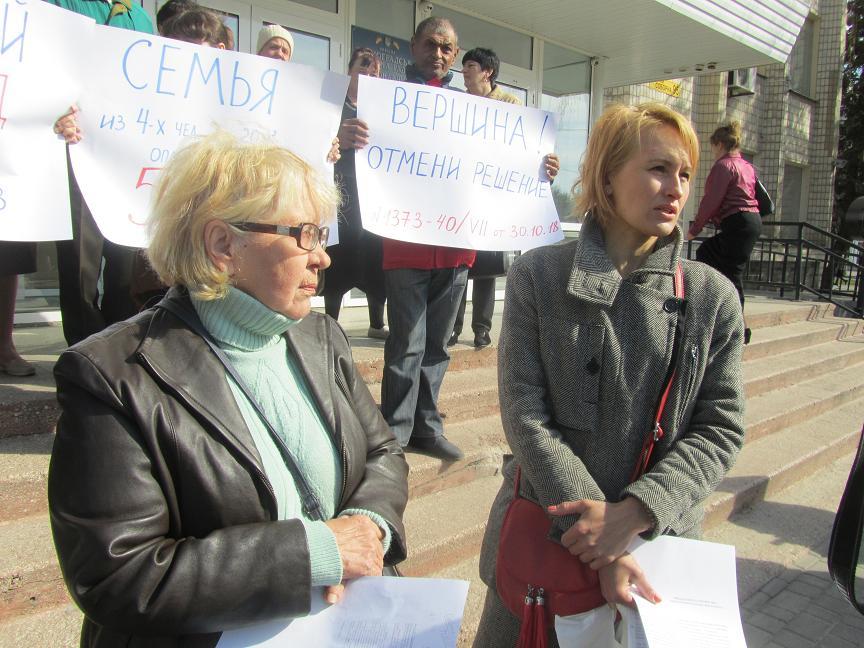 Переселенцы заявляют, что  павлоградцы жилье  в наем  им сдавать не хотят