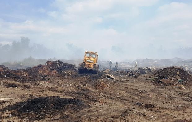 Ад близко: пожар на мусорной свалке Павлограда потушить практически невозможно