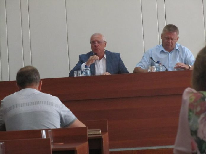 Городской голова  пообещал  привлечь к уголовной ответственности депутата  Жилкину,  которая помешала выполнить решение суда