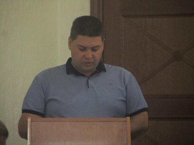 Городской голова Терновки Виталий Тарелкин получает в месяц, как пять президентов Украины