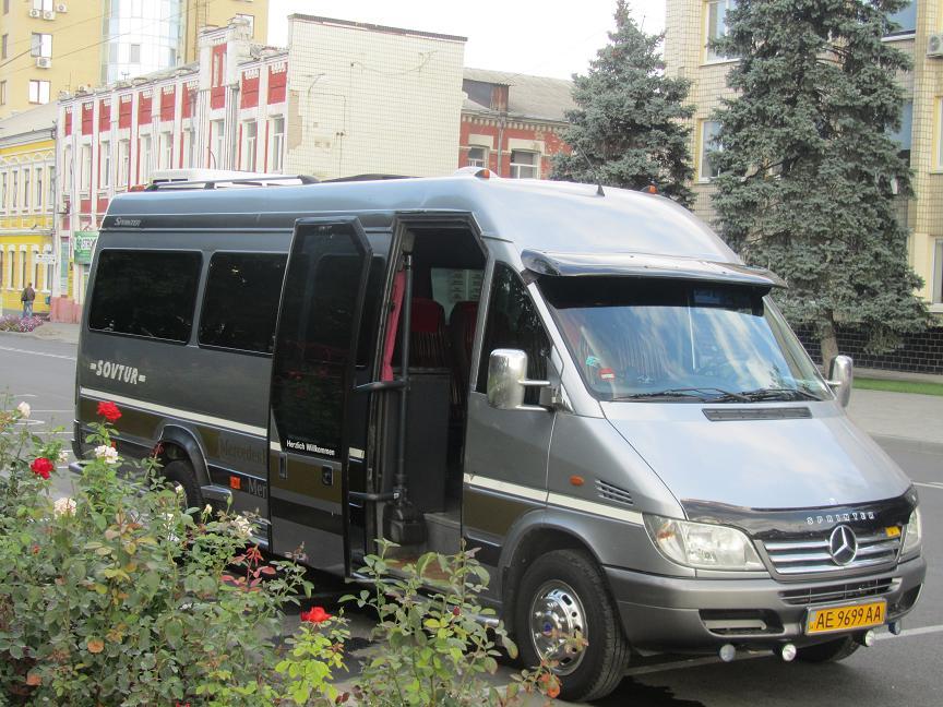 Павлограду срочно нужны водители автобусов: зарплата от 10 тыс. гривен мужчин не устраивает