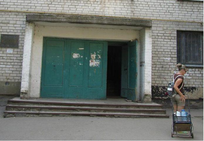 Павлоградские общаги отключили от электричества,  - похоже на веки веков