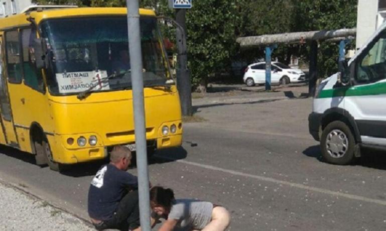 Жара. Пьяные граждане в Павлограде  раздеваются прямо на улицах