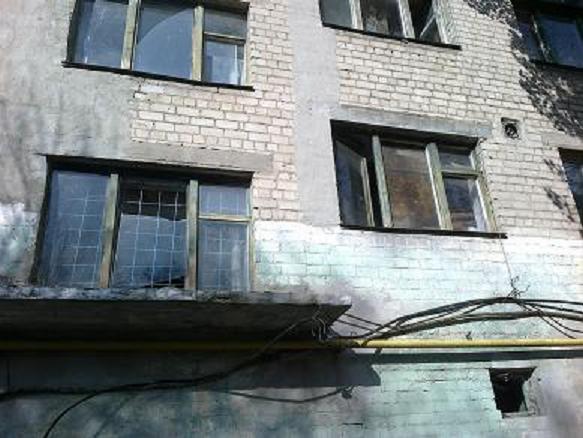 В Павлограде асоциальные элементы захватили власть, в  одном из городских общежитий