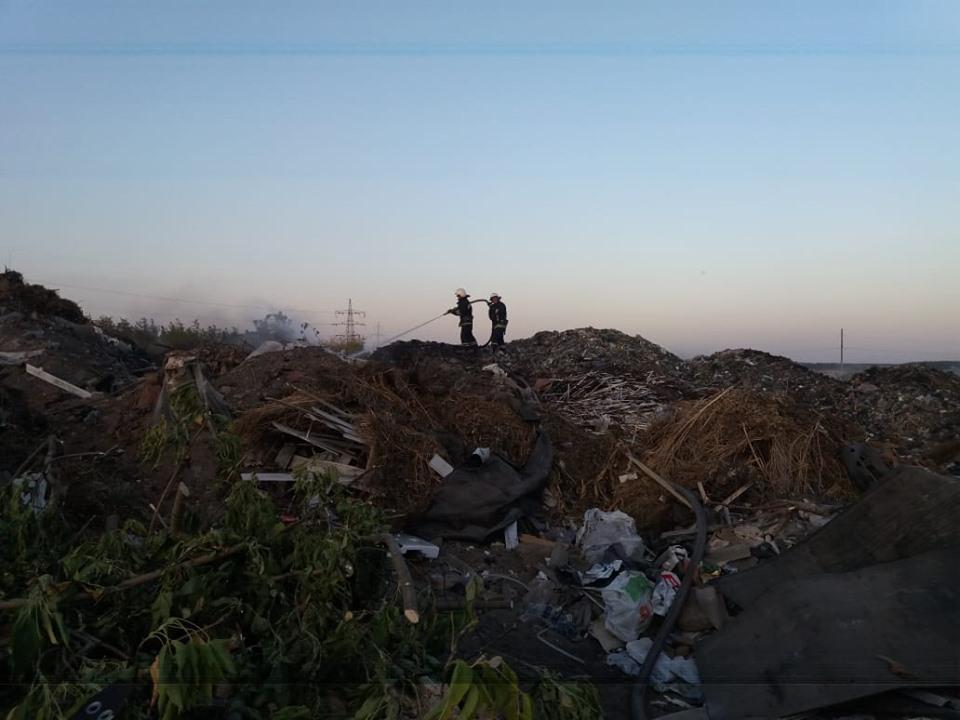 За последние сутки павлоградскими спасателями ликвидировано 9 пожаров