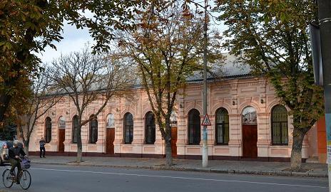 Сотрудница Павлоградского собеса ПЫТАЛАСЬ ЗАДУШИТЬ ПОСЕТИТЕЛЬНИЦУ НА РАБОЧЕМ МЕСТЕ
