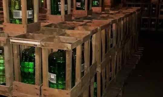 А если б водку гнать не из опилок,  то что б нам было с пяти бутылок?