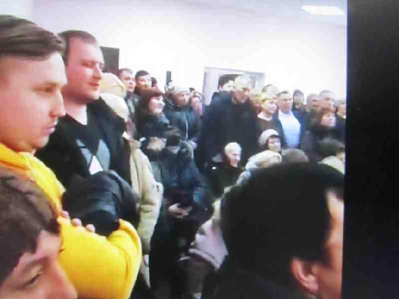 Члены Богдановской ОТО  были готовы напасть с кулаками на депутата Романа Каптелова, - помешала полиция