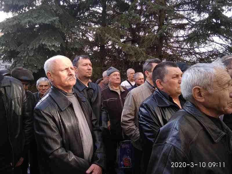 В Павлограде шахтеры-инвалиды потребовали от Президента Зеленского денег на ракетное топливо и индексации пенсий