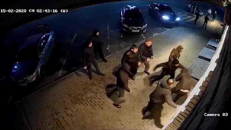 Кто зверски избил мужчину у ночного клуба «Йогурт», в Павлограде, - полиция  не может установить