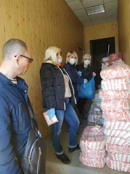 В Павлограде три тонны продуктов доставлены одиноким пенсионерам