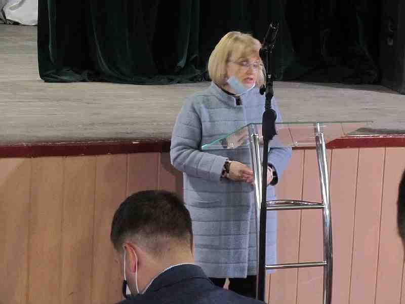 Униженные депутаты Терновского горсовета смирились с тем, что  выполняют роль условных хозяев