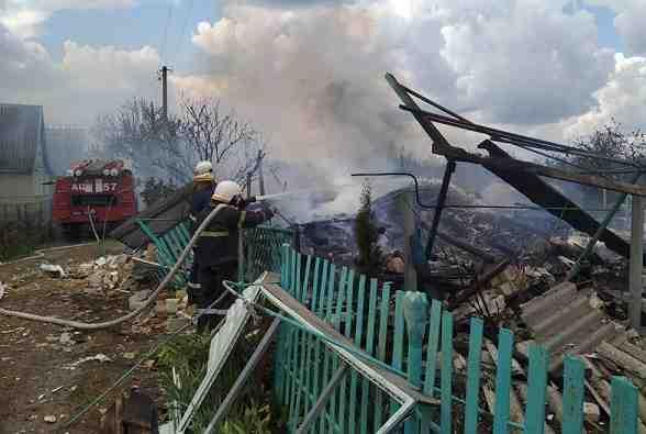 Газовый баллон, словно бомба, до основания разрушил дачный дом, пока хозяева отлучились