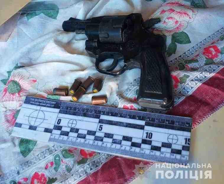 В гараже у 51-летнего першотравенца обнаружено оружие с боеприпасами