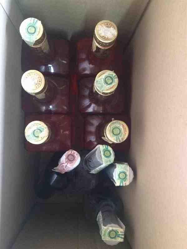 Полицейские в магазинах Павлограда изъяли 48 л нелегальной водки и 40 бутылок пива