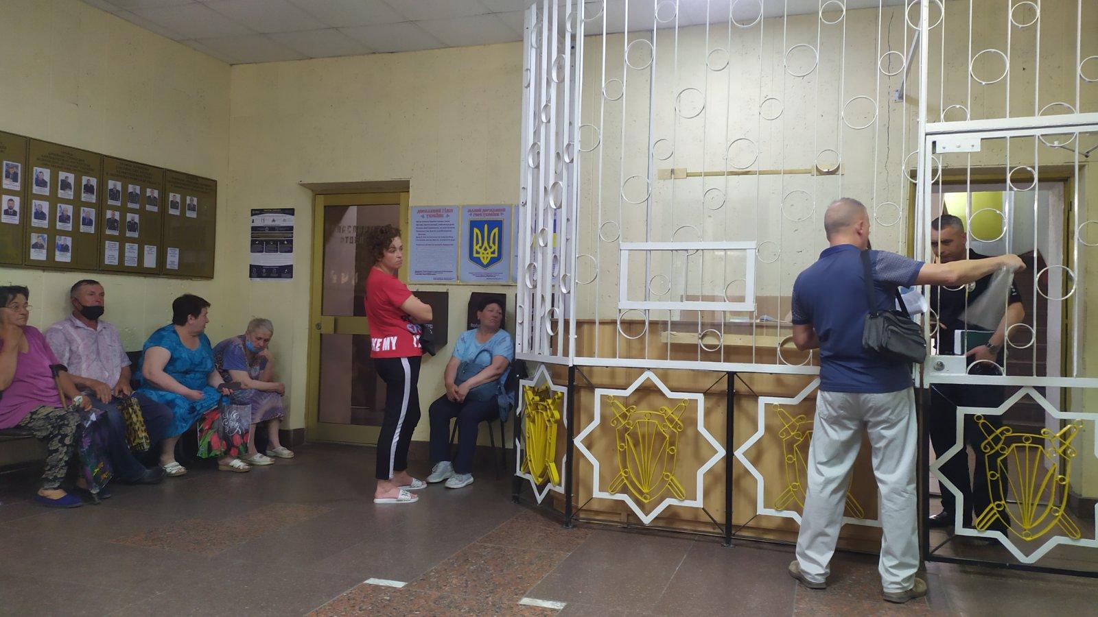Со своими жалобами, на прием к новому начальнику Павлоградской полиции записались 54 человека, разговор продлится до ночи