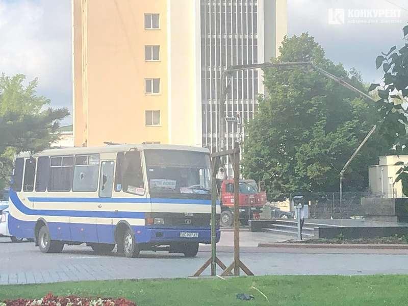 Вооруженный мужчина, в Луцке, захватил автобус с людьми, -президент держит руку на пульсе