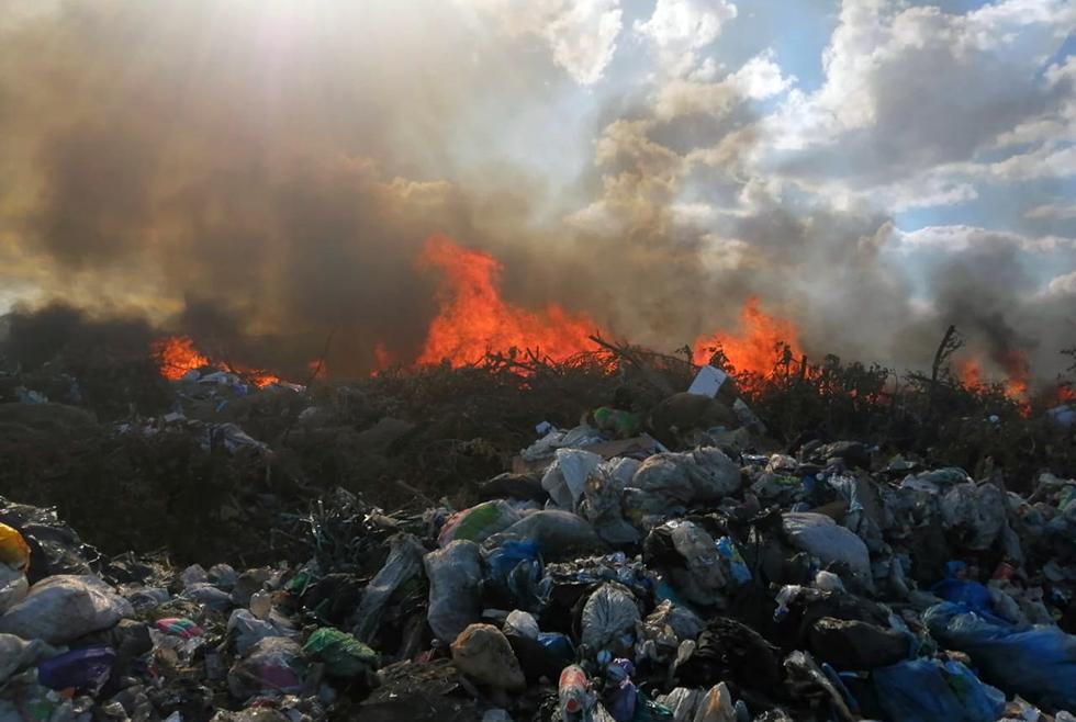 Закрывайте форточки: В Павлограде снова горит городская свалка