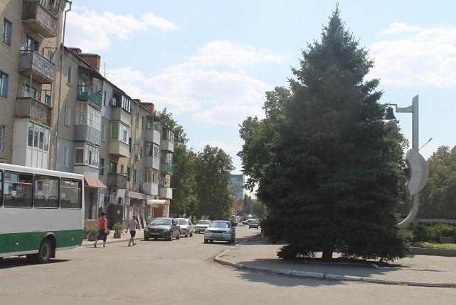 На проспекте Шахтостроителей, в Павлограде, молодой человек получил ножевое ранение